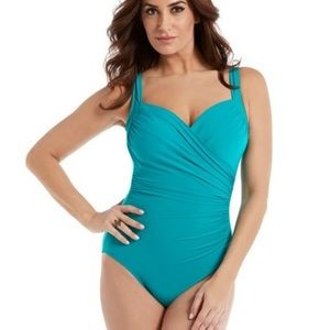 NEW Miraclesuit Sanibel slimming swimsuit